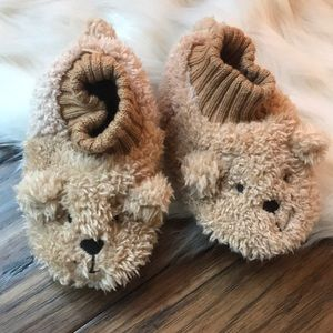 super cheap arrives undefeated x NWOT GAP cozy bear slippers